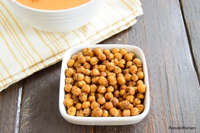 Moroccan Spiced Roasted Chickpeas | www.PancakeWarriors.com