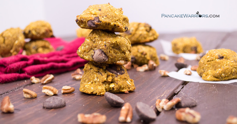 Healthy and simple pecan chocolate chunk cookies are vegan, gluten free, grain free, dairy free and paleo. This cookie recipe is so healthy and simple! | www.pancakewarriors.com