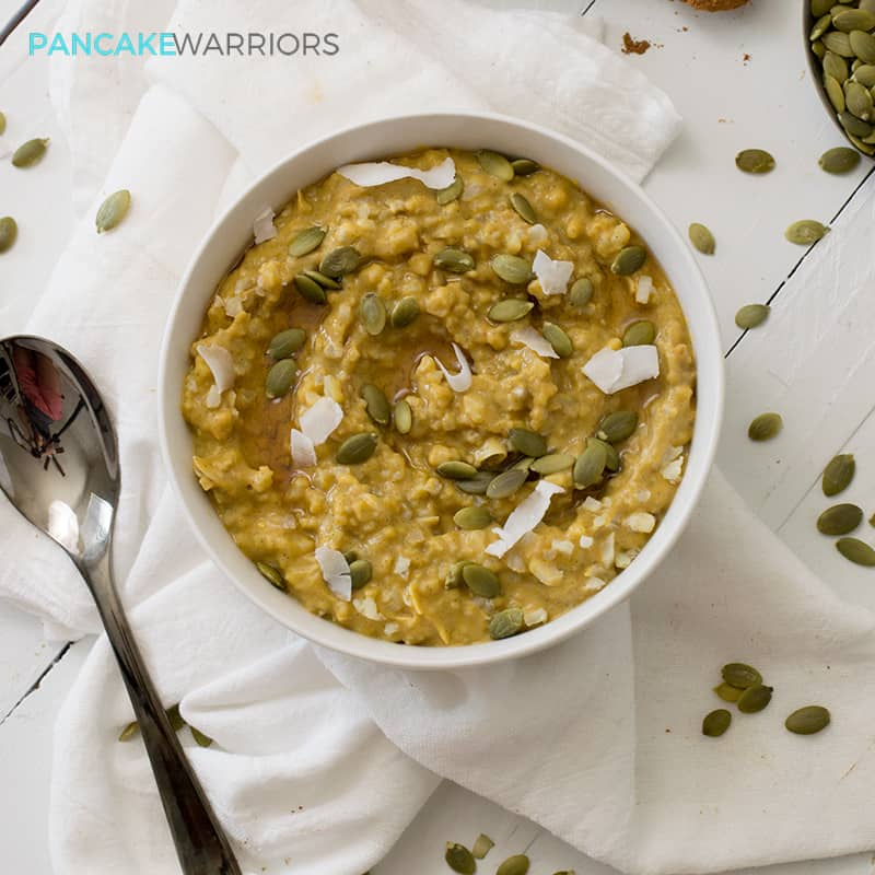 This simple grainfree pumpkin cauliflower oatmeal recipe is vegan, gluten free, grain free, paleo and delicious! Perfect way to start the day! | www.pancakewarriors.com